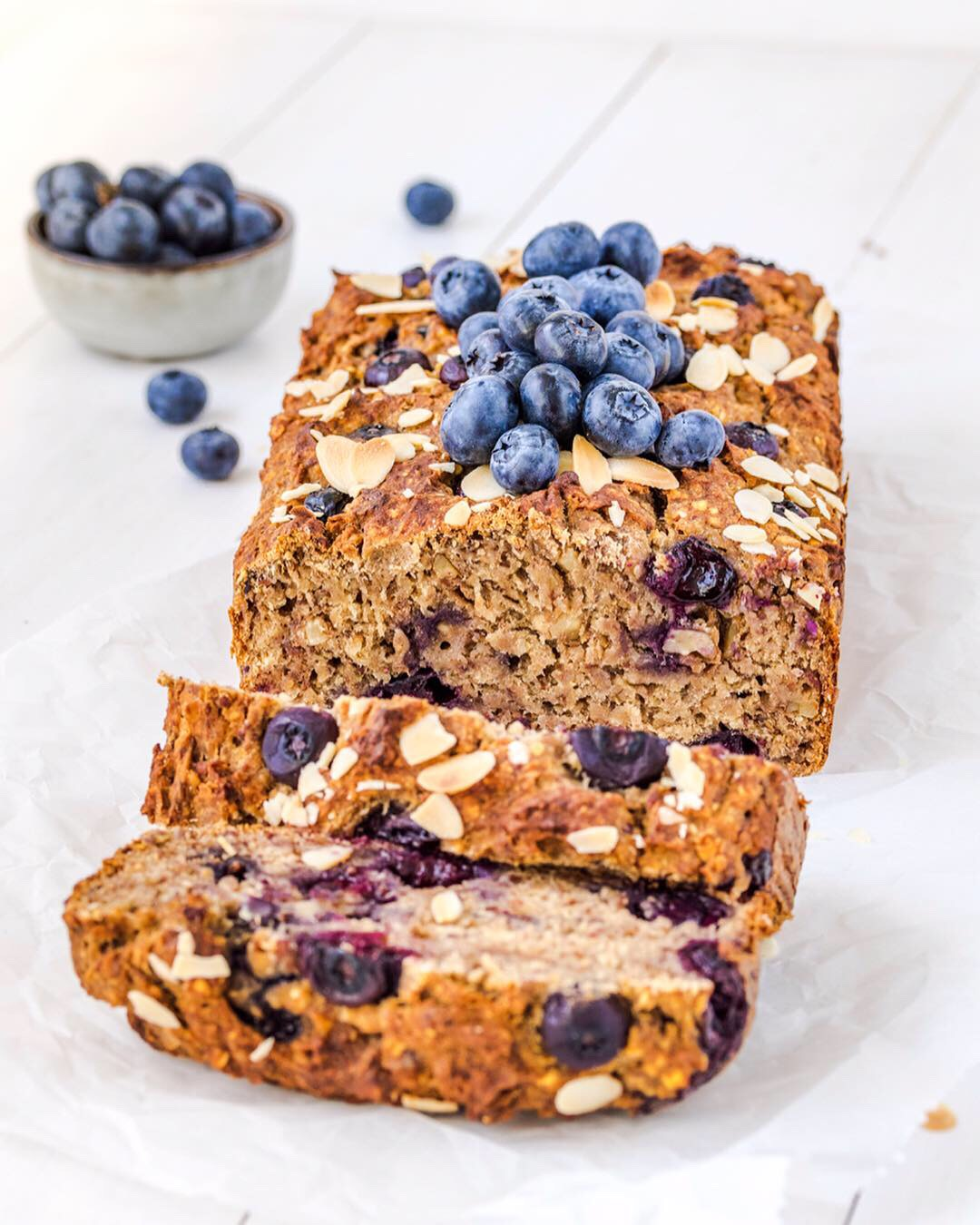 Vegan Banana Bread (sugar-free & oil-free)